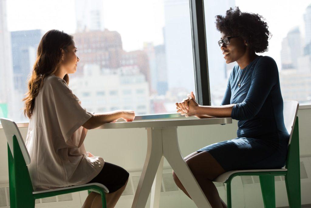 Entretien professionnel entre un employeur et un salarié.